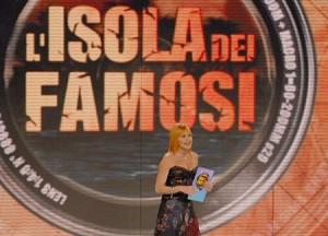 Simona Ventura durante il programma Isola dei famosi