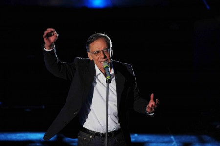 Roberto Vecchioni a Sanremo 2011 foto