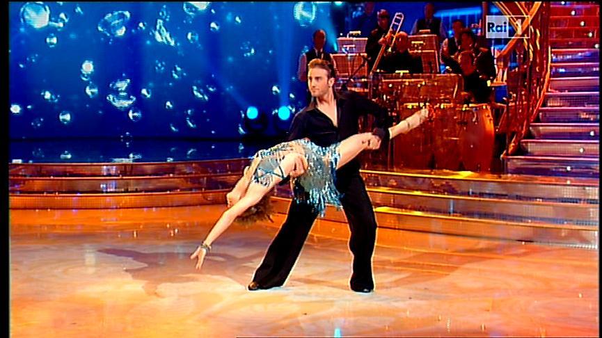 esibizione-alessandra-amoroso-ballerina-per-una-notte
