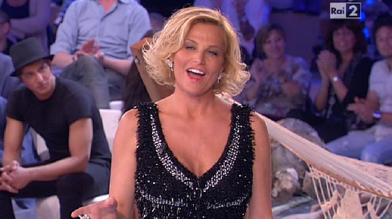 Simona Ventura nella nona puntata dell'Isola dei Famosi 8 Foto
