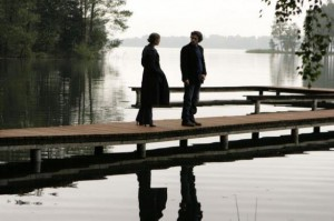 Una scena della fiction I cerchi nell'acqua con Alessio Boni e Vanessa Incontrada