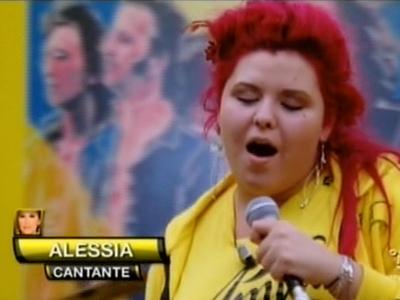 Foto di Alessia Di Francesco mentre canta