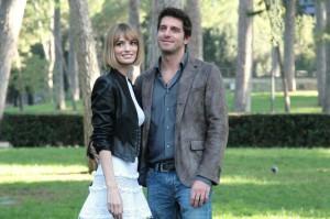 Giampaolo Morelli e Gaia Bermani Amaral interpreti di Baciati dall'amore