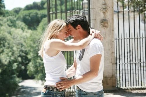 Foto di Emilio Solfrizzi e Antonia Liskova sul set di Tutti pazzi per amore 3