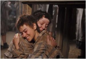 Una scena del film Mi ricordo Anna Frank