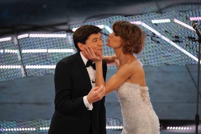 Elisabetta Canalis torna single