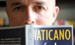 Nuzzi conduce Gli Intoccabili sui segreti del Vaticano