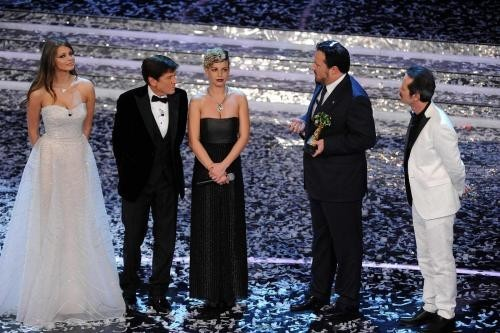Premiazione Emma Marrone sanremo 2012