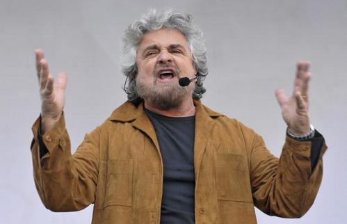 Beppe Grillo a Robinson: uscire dall'euro