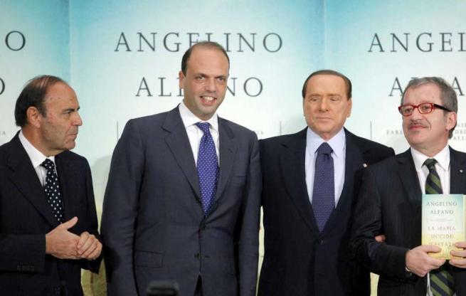 Bruno Vepa con Alfano e Berlusconi