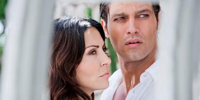 Sabrina Ferilli e Gabriel Garko in Caldo criminale