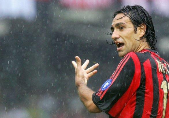 Nesta saluta il Milan