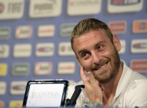 De Rossi in conferenza stampa su Gerrard e Balotelli