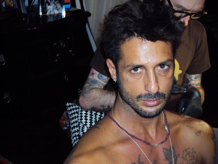 Foto di Fabrizio Corona nuovo tatuaggio