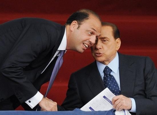 Alfano difende Berlusconi