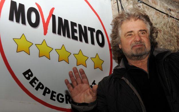 Beppe Grillo condanna i consiglieri 5 Stelle per le ospitate a pagamento