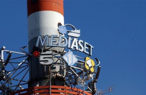 Mediaset si ritira: non partecipa alla gara per La7