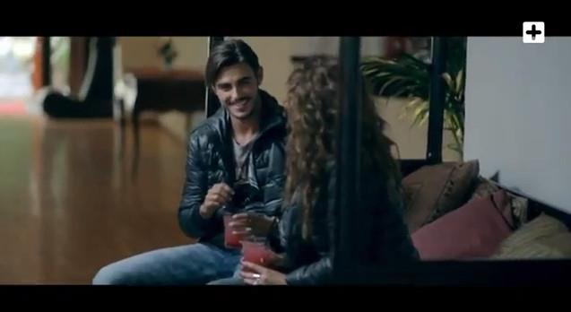 Francesco e Teresanna nel videoclip di Pittbul