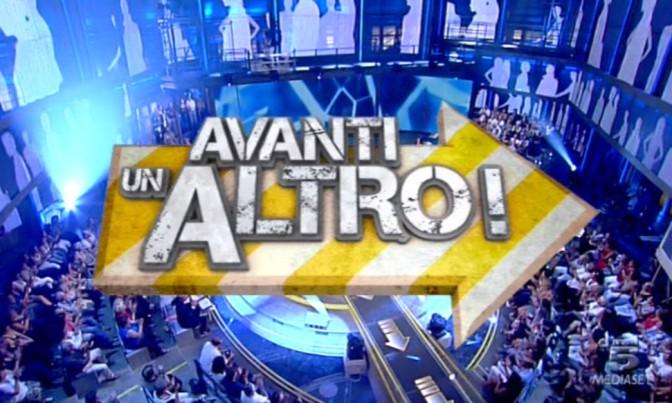 foto del logo di avanti un altro