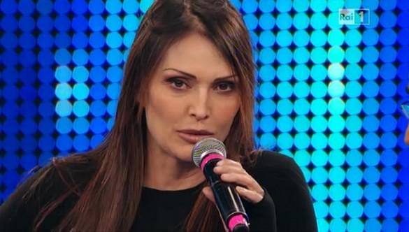 Foto di Anna Oxa contro Sanremo 2013