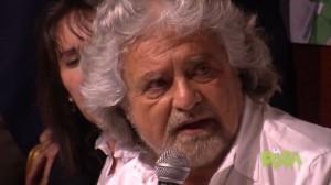 Beppe Grillo a Milano, conferenza stampa