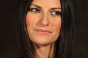 Laura Pausini in lizza per co-condurre Sanremo 2015 con Carlo Conti
