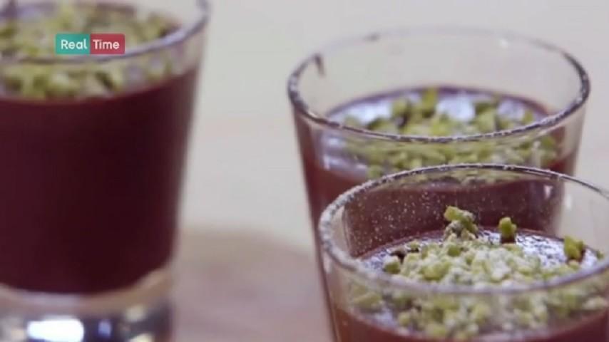 foto bicchierini di mousse al cioccolato