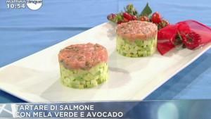 foto tartare salmone mela e avocado