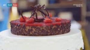 foto torta africana al cioccolato con gelatina di lamponi