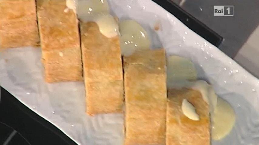 foto strudel di pere con salsa alla vaniglia