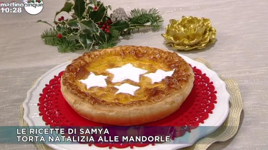 foto torta natalizia alle mandorle