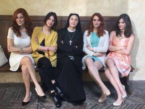 Foto cast Che Dio ci aiuti 4