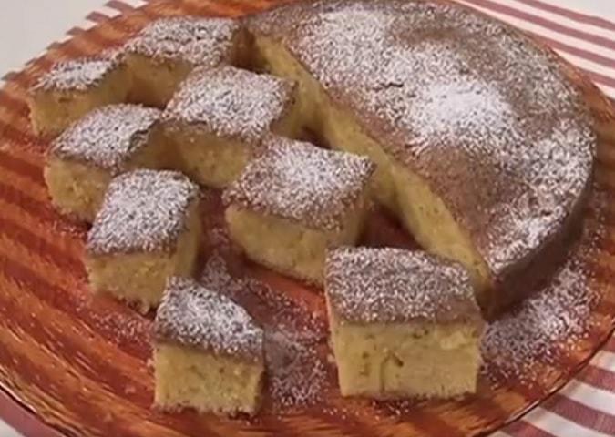 foto torta di farina di mais e limone