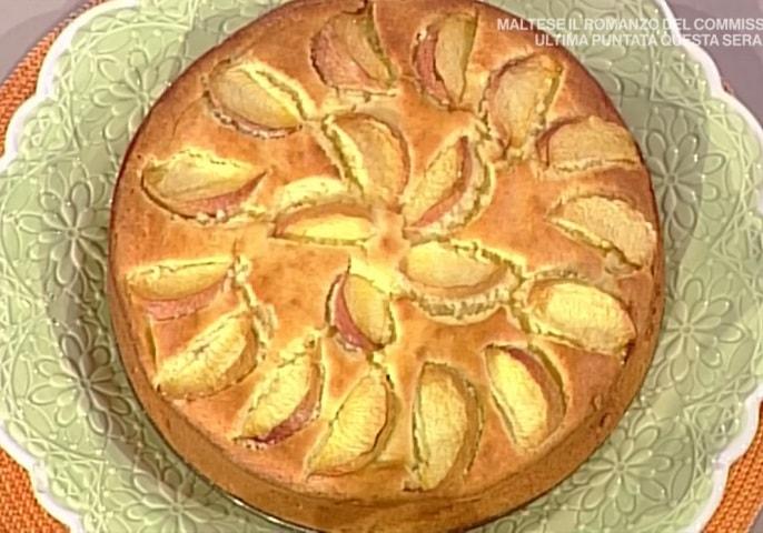 foto torta soffice pesche e limoncello