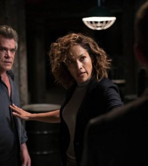 Foto Shades of Blue Jennifer Lopez e Ray Liotta