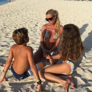foto Federica Panicucci con i figli
