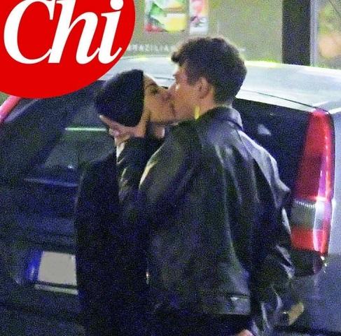 foto giulia e irama bacio