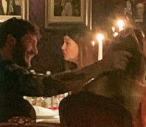 foto Belen e Stefano abbraccio