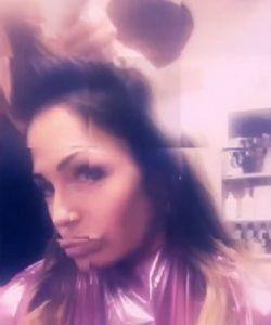 foto Ida Platano dal parrucchiere