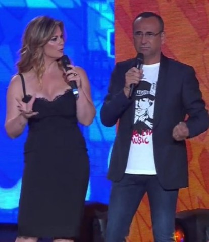 Foto Vanessa Incontrada e Carlo Conti ai Seat Music Awards