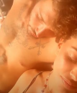 foto Belen e Stefano abbracciati