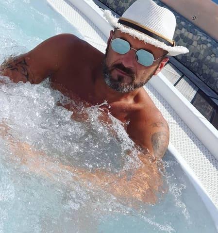 foto Sossio Aruta in piscina