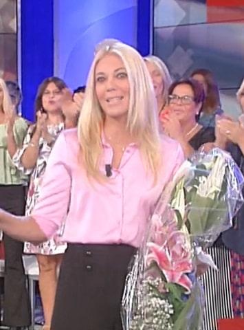 foto Eleonora Daniele, fiori in diretta