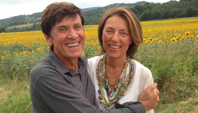 Foto Gianni Morandi e moglie