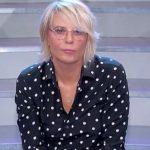 """Uomini e Donne, tronista di Maria De Filippi annuncia: """"Incinta a 44 anni"""""""