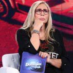 """Mara Venier: no a Sanremo 2021? """"Deve farsi pregare"""", parla giornalista"""