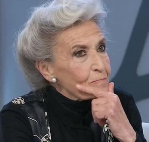 foto barbara alberti attacca pasquale laricchia