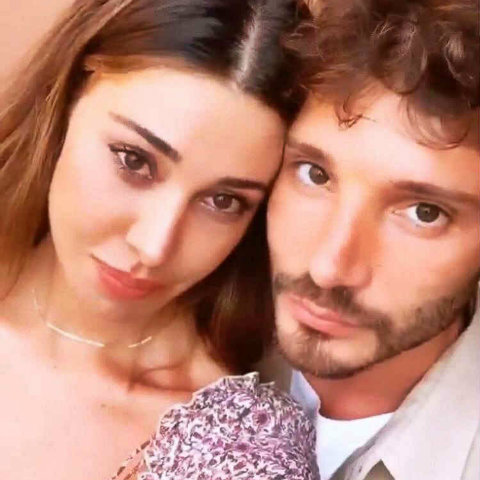 foto Belen Rodriguez incinta l'annuncio Stefano De Martino