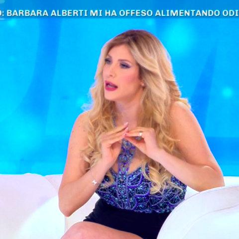 foto Paola Caruso Barbara Alberti offesa gf vip
