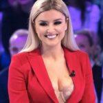 Alketa Vejsiu fa una rivelazione su Maria De Filippi: Toffanin spiazzata